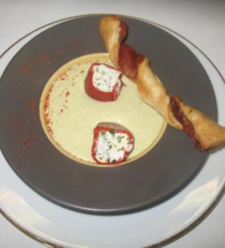 Crème de Courgettes Glacée, Rouleau de Péquillos au Chèvre Frais et St-Christin au Jambon Sec