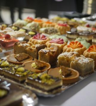 Nos buffets de desserts sur les repas du Stade de Reims (Crédit photo : Minerve Web studio)
